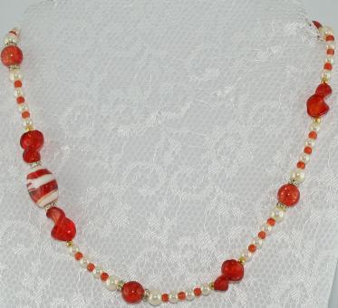 Halskette kurz Dunkelorange-Rot-Weiß-Gold - UNIKAT!